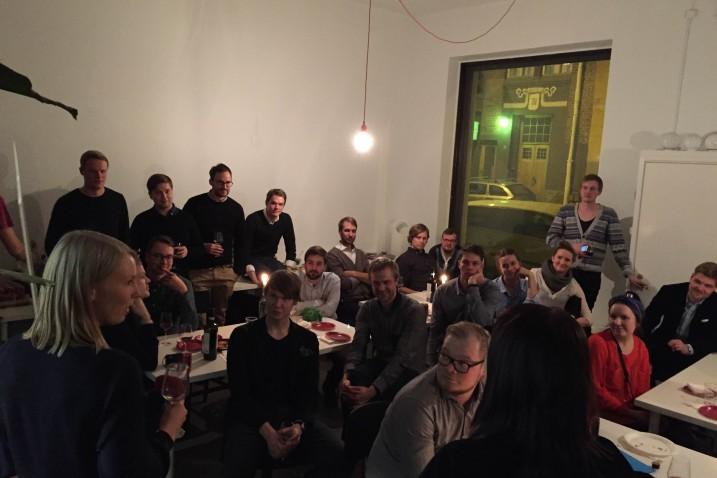 Jäsenet Studio Puiston ja Arkkitehdit R+K:n toimistolla Uusi Joulussa perjantaina 19.12.